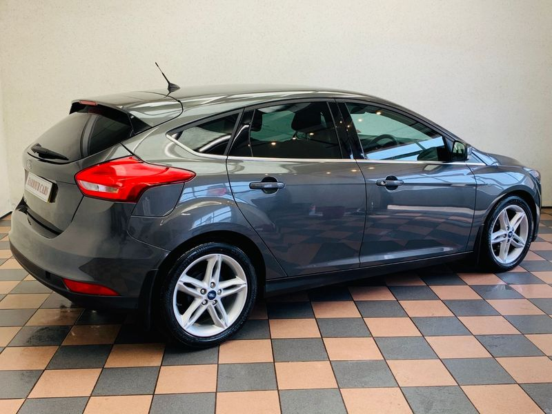 View FORD FOCUS 1.5 TDCI ZETEC