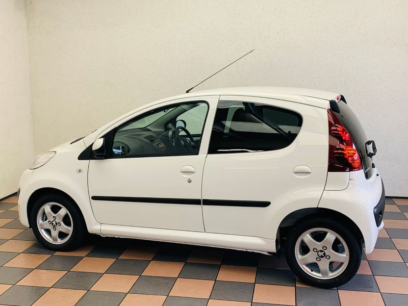 View PEUGEOT 107 ALLURE 1.0 SEMI-AUTOMATIC